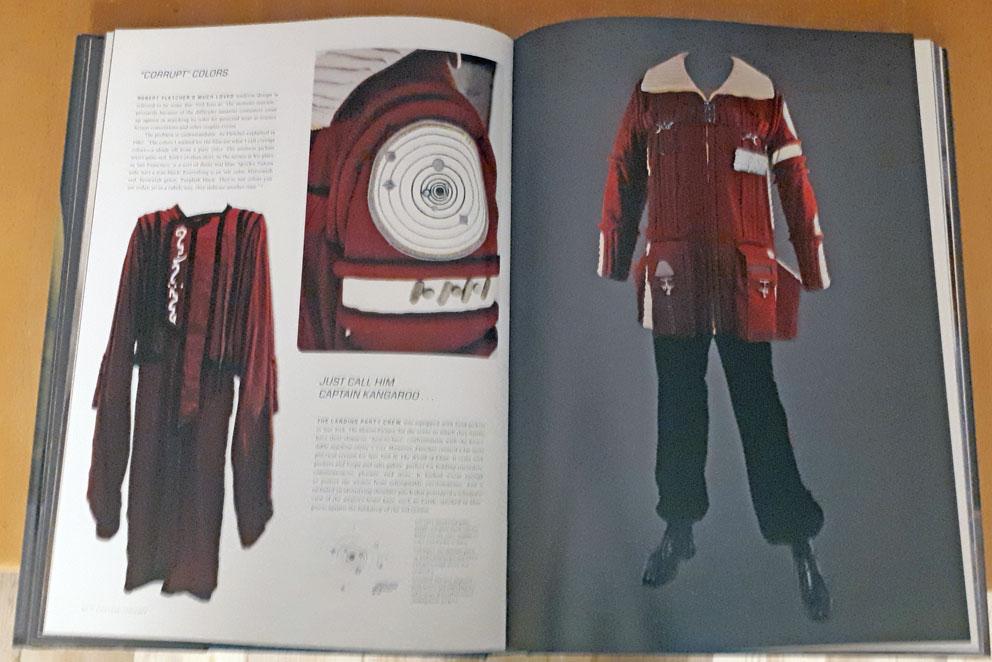 [Bild: StarTrek-Costumes-Seiten1.jpg]